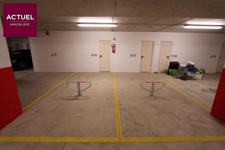 louer garage-parking 0 chambre 0 m² rodange photo 6