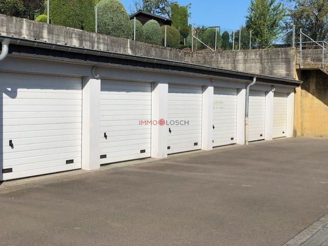 Garage - Parking à louer à Soleuvre