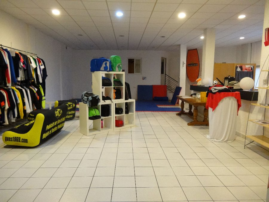 acheter local commercial 7 pièces 323 m² stiring-wendel photo 2