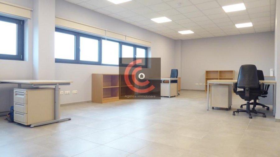 louer bureau 0 chambre 215 m² strassen photo 7