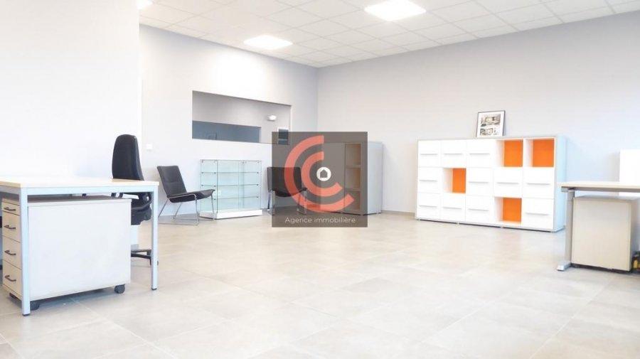 louer bureau 0 chambre 215 m² strassen photo 6
