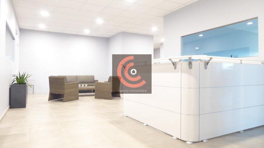 louer bureau 0 chambre 215 m² strassen photo 1