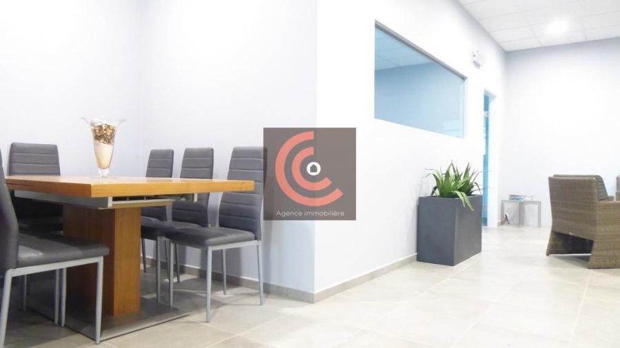 louer bureau 0 chambre 215 m² strassen photo 2