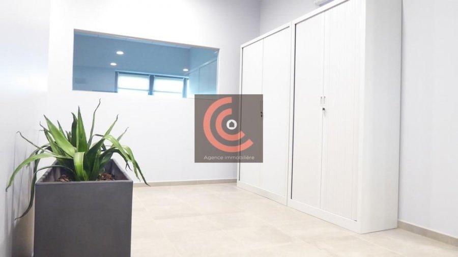 louer bureau 0 chambre 215 m² strassen photo 5
