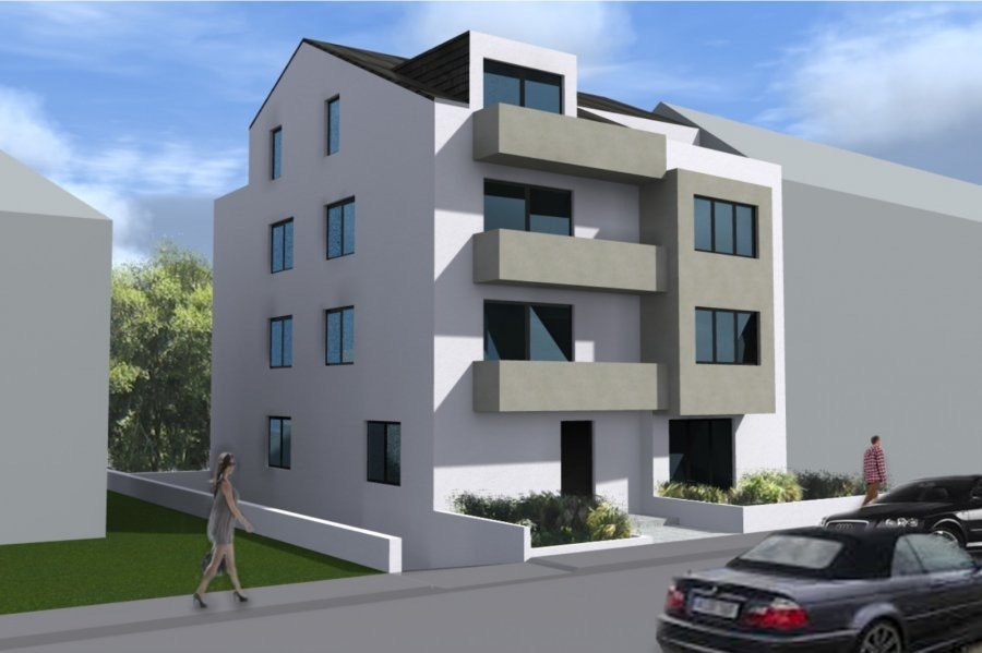 L'agence IMMOLORENA de Pétange vous propose un duplex (appartement, cave et emplacement intérieur) en construction de 138 m2 au DEUXIEME et TROISIEME étage avec ascenseur, situé à RODANGE, à la proximité de toutes commodités, clé en main.   Il se compose comme suit:  PREMIER NIVEAU - Living de 28,71 m2 - WC de 2 m2 - Cuisine/salle à manger de 22,79 m2  DEUXIEME NIVEAU - Hall de nuit de 13,80 m2 - 1 chambre de 10 m2 donnant accès au balcon de 4,4 m2,  - 2 chambres de 10,64 m2 et de 11,44 m2 donnant accès toutes les deux à une terrasse de 16,43 m2 - Chambre parentale de 18,77 m2 avec salle de bain privative donnant accès à la terrasse de 13,40 m2 - Salle de bain de 7,15 m2  Surface habitable de 138 m2, chauffage , vidéo phone, deux magnifiques terrasses de 13,40 m2 et 16,43 m2 Le duplex est vendu au prix de 576 800 € (TVA 3%), avec cave et emplacement intérieur. La possibilité d'acquérir des emplacements intérieurs à partir de 25 000 euros.  Le prix inclut les garanties décennales et biennales appliquées.  LIVRAISON PREVUE FIN OCTOBRE 2019  Cette propriété offre également un investissement sain et durable: double vitrage, ventilation double flux, châssis de fenêtre en PVC.  Le prix indiqué comprend la TVA à 3%  Plans disponibles sur demande.  Pour tout contact: Joanna Corvina 621 36 56 40 (FR) Vitor Pires: 691 761 110 (PT, IT, UK, FR)   L'agence ImmoLorena est à votre disposition pour toutes vos recherches ainsi que pour vos transactions LOCATIONS ET VENTES au Luxembourg, en France et en Belgique. Nous sommes également ouverts les samedis de 10h à 19h sans interruption. Demander plus d'informations