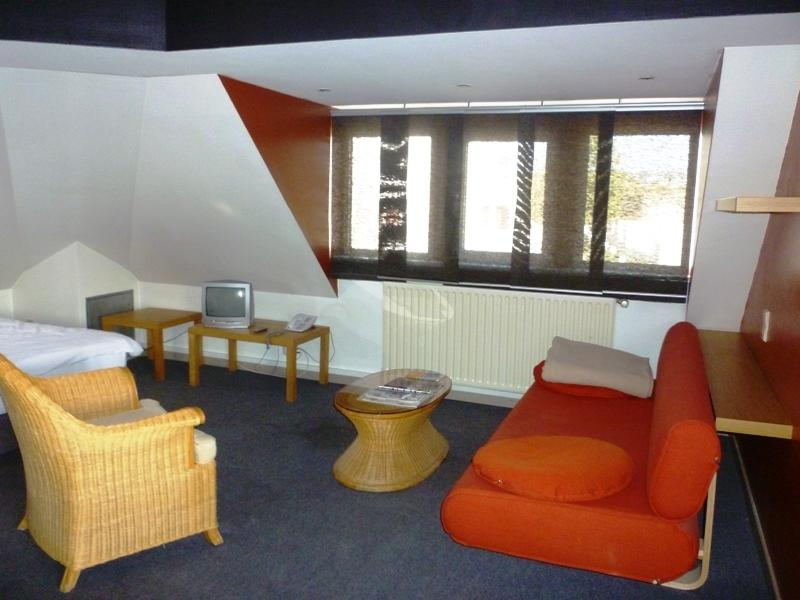 flat for rent 0 bedroom 45 m² strassen photo 2