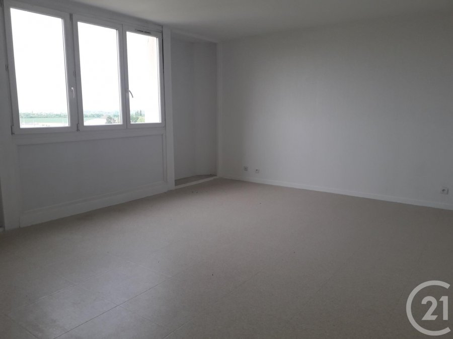 louer appartement 3 pièces 67.71 m² sin-le-noble photo 2