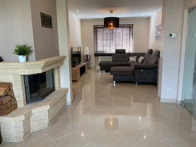 Maison mitoyenne à vendre 4 Chambres à Esch-sur-Alzette - Réf. 6521110