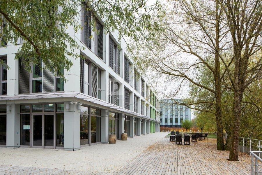 louer bureau 0 chambre 53 m² windhof photo 1