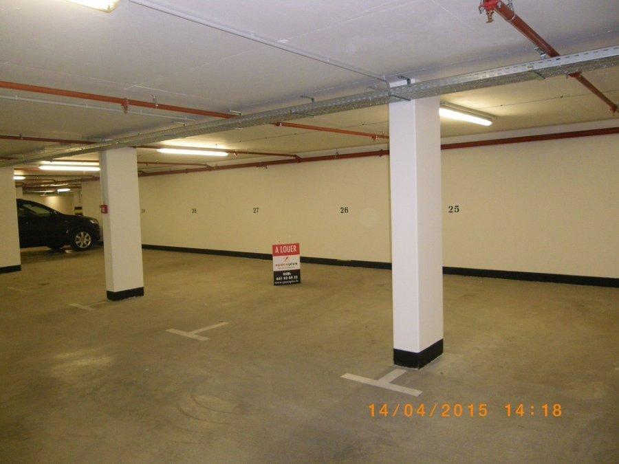 Garage fermé à louer à Bertrange