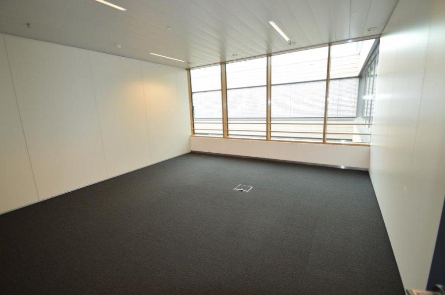 louer bureau 0 chambre 259.1 m² leudelange photo 4
