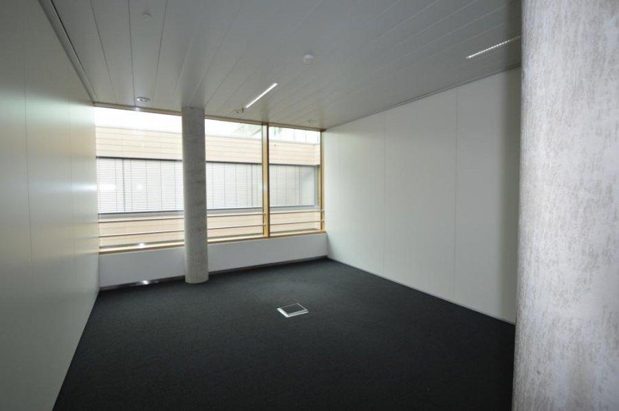 louer bureau 0 chambre 259.1 m² leudelange photo 6