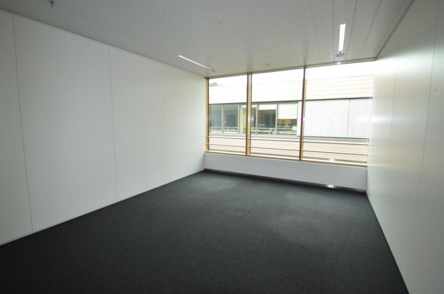 louer bureau 0 chambre 259.1 m² leudelange photo 7