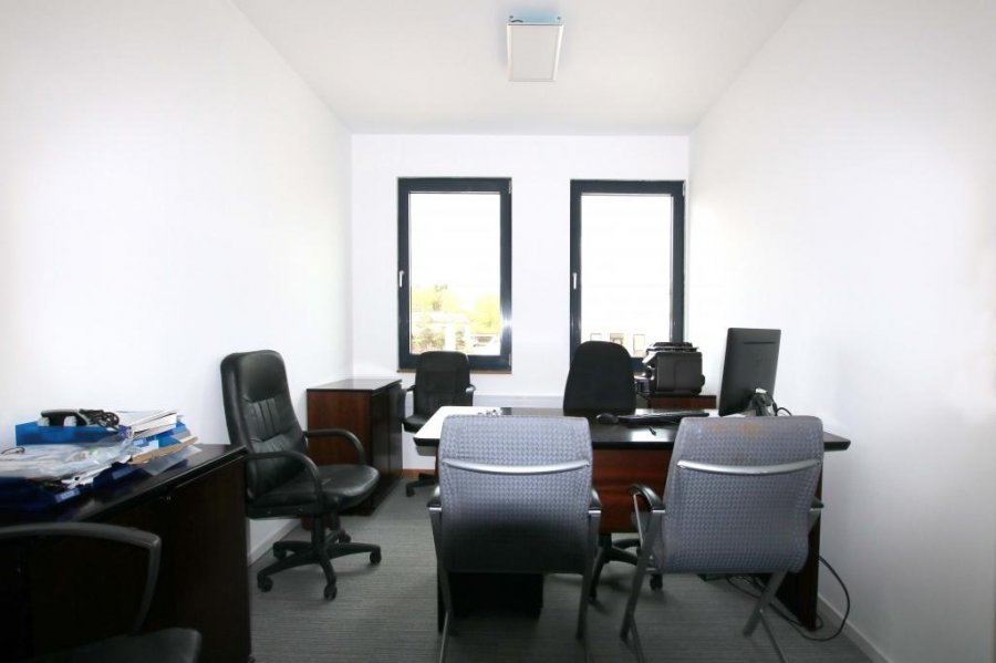 louer bureau 0 chambre 0 m² bertrange photo 6