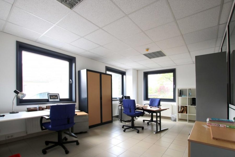 louer bureau 0 chambre 0 m² bertrange photo 5