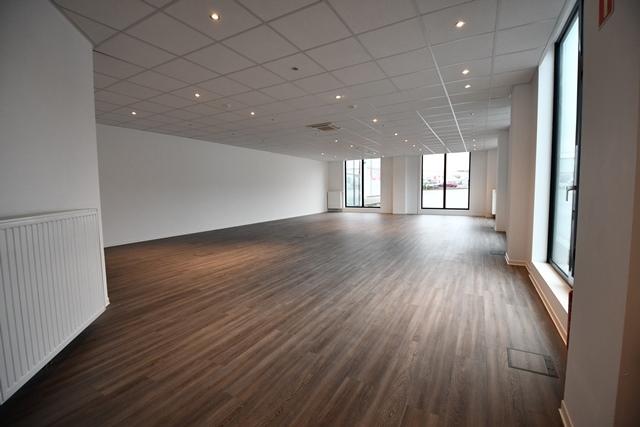 louer bureau 0 chambre 130.1 m² bascharage photo 1