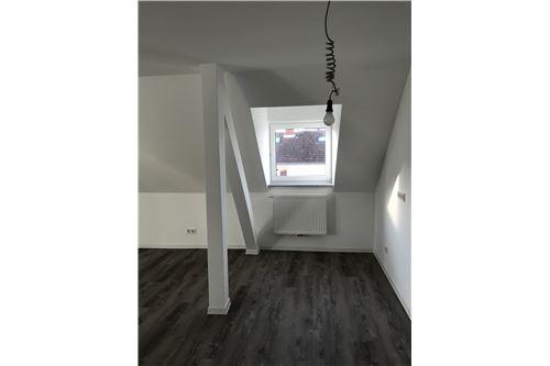 wohnung mieten 1 zimmer 51 m² saarbrücken foto 6