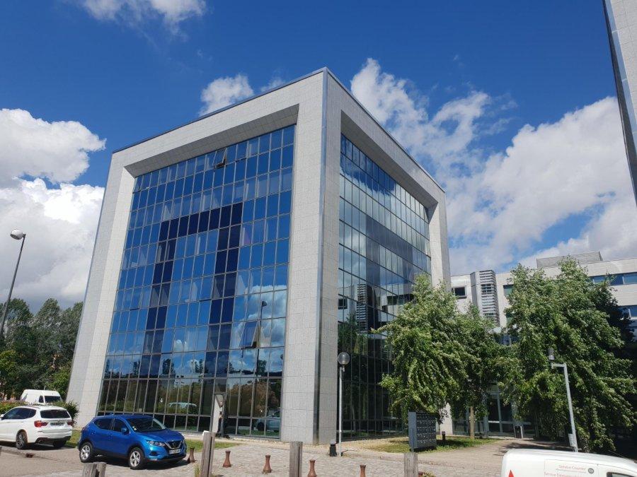 louer bureau 0 pièce 132 m² world trade center photo 1