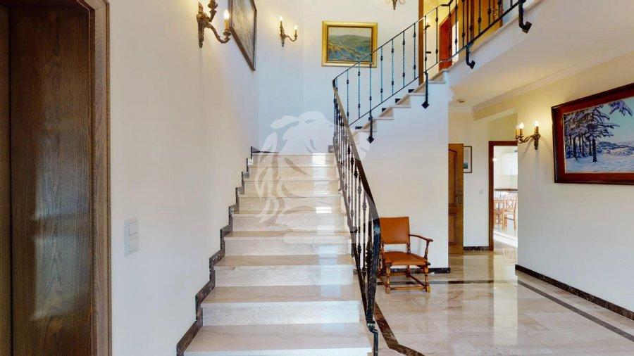 haus kaufen 5 schlafzimmer 360 m² beyren foto 1