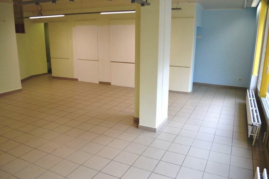 louer local commercial 0 chambre 85 m² bereldange photo 6