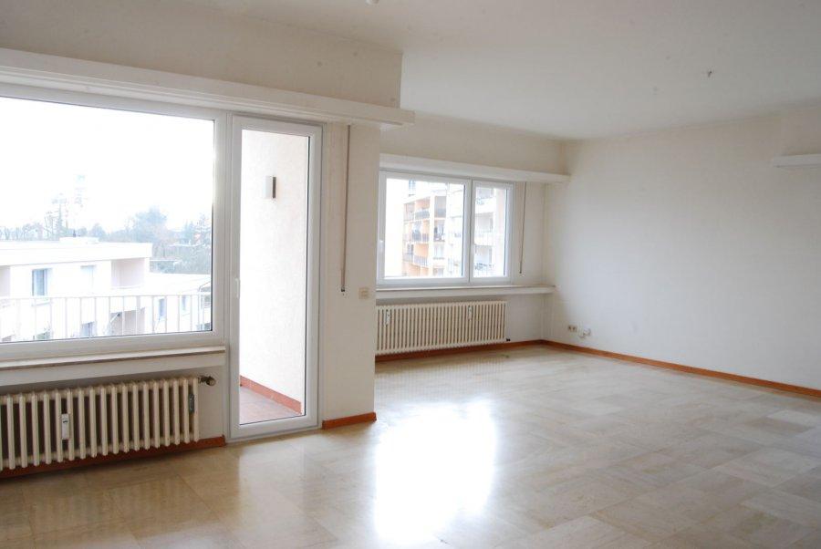 RCI - REFFAY Christophe Immobilien vous présente ici  un appartement spacieux et lumineux en location au Limpertsberg.  Cet appartement se trouve au 2e étage d\'une résidence très bien entretenue de 1973.  Des 2 balcons de cet appartement vous avez une vue magnifique sur le quartier du Limpertsberg.  Voici la composition de cet objet :   - 1 hall d\'entrée avec de grandes armoires intégrées  - 1 grand salon + salle-à-manger de 44 m2 avec accès à 1 balcon de 5,30 m2  - 1 WC séparé  - 1 cuisine équipée récente de 6,65 m2 avec accès à 1 balcon de 3,40 m2  - 1 hall de nuit  - 1 chambre de 16,85 m2  - 1 salle de bains récente avec douche et baignoire de 6,70 m2 - 1 seconde chambre de 15,10 m2 - 1 cave  - 1 emplacement dans le parking sous-terrain de la résidence   Tout l\'appartement est en très bon état et est disponible tout de suite.  Cet appartement est très lumineux grâce à ses grandes fenêtres.  Il y a une terrasse commune à l\'arrière du bâtiment qui mène à la rue des Cerisiers située à 5 minutes à pied du Glacis et du tram.   Pour tout renseignements ou visite :  Christophe REFFAY  691 661 661   ----------------------------------------------------  RCI - REFFAY Christophe Immobilien presents you here  a spacious and bright apartment for rent in Limpertsberg. This apartment is on the 2nd floor of a very well maintained residence from 1973. From the 2 balconies of this apartment you have a wonderful view on the Limpertsberg district. Here is the composition of this object:  - 1 entrance hall with large built-in wardrobes - 1 large living room + dining-room of 44 m2 with access to a balcony of 5.30 m2 - 1 separate WC - 1 recent fitted kitchen of 6.65 m2 with access to a balcony of 3.40 m2 - 1 night hall - 1 bedroom of 16.85 m2 - 1 new bathroom with shower and bath of 6.70 m2 - 1 second bedroom of 15.10 m2 - 1 cellar - 1 parking space in the underground parking of the residence  The whole apartment is in very good condition and is directly available. This apartment i