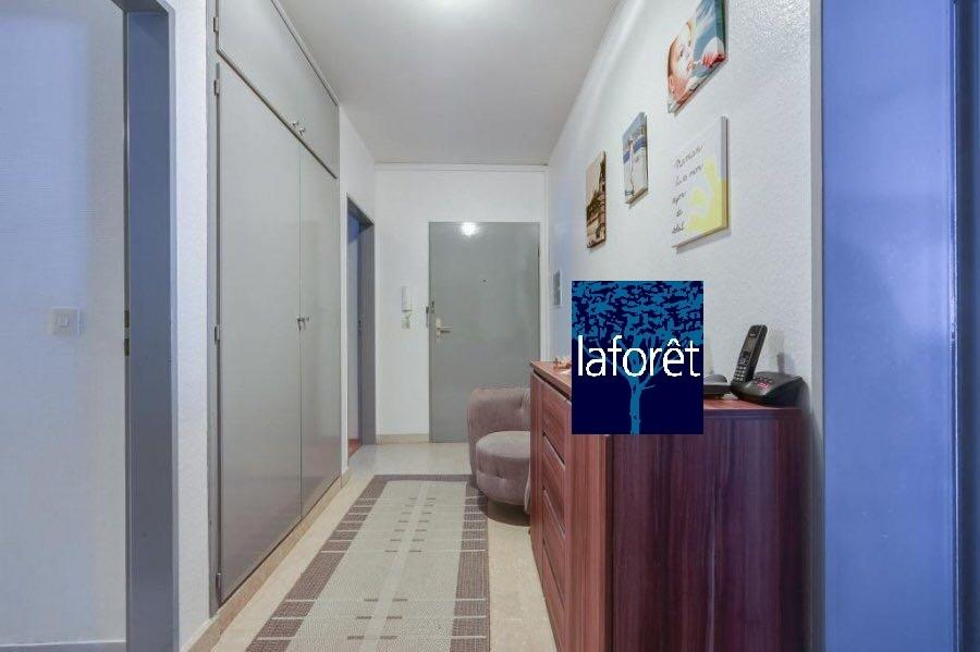 apartment for rent 2 bedrooms 85 m² strassen photo 6