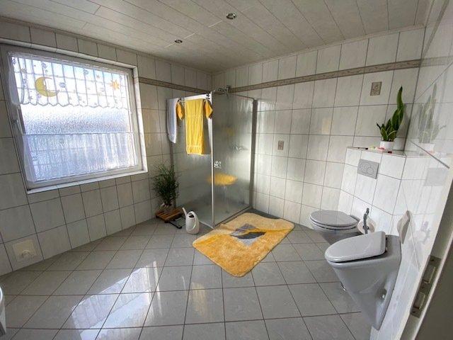 Einfamilienhaus zu verkaufen 5 Schlafzimmer in Auw