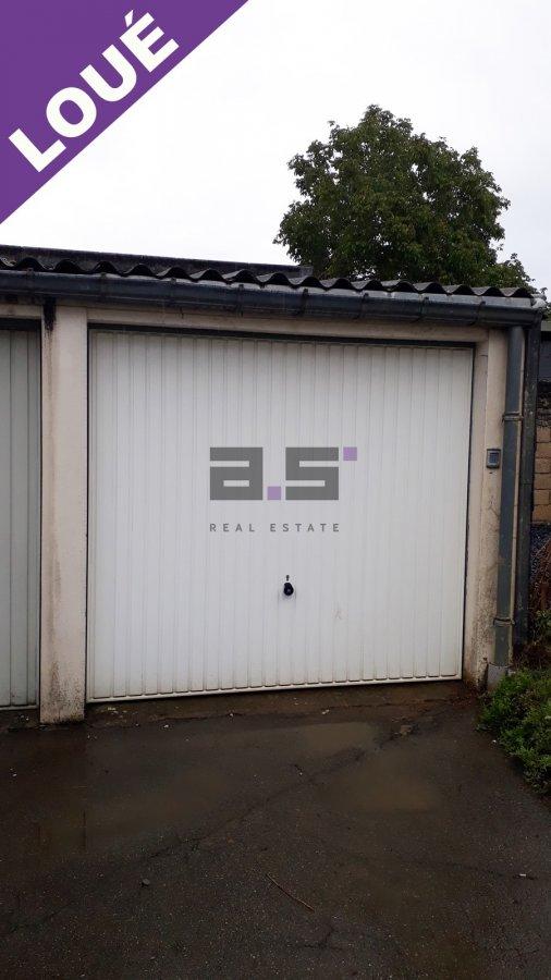 Garage fermé à louer à Kayl