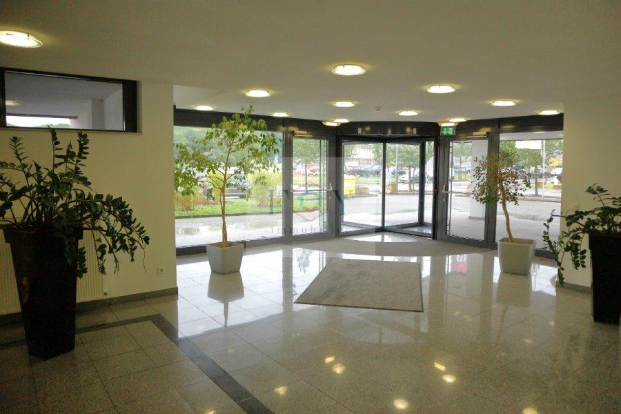 louer bureau 0 chambre 447 m² leudelange photo 3