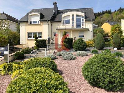 Villa for sale 5 bedrooms in Dudelange - Ref. 6327478
