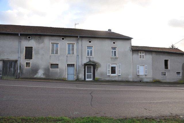 Maison à vendre F9 à Marange zondrange