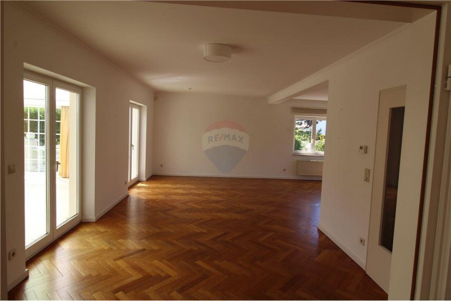 villa mieten 3 schlafzimmer 200 m² senningerberg foto 4
