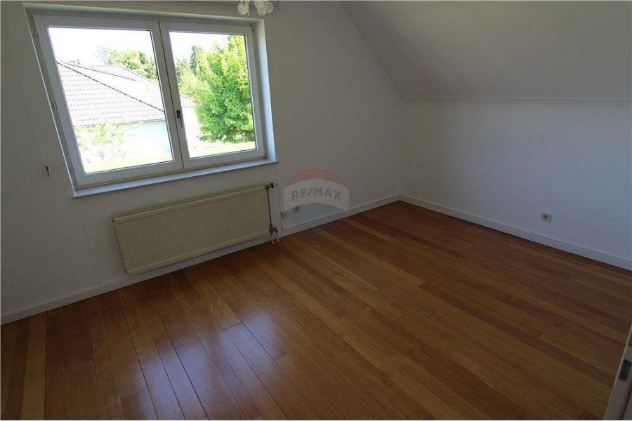 villa mieten 3 schlafzimmer 200 m² senningerberg foto 7