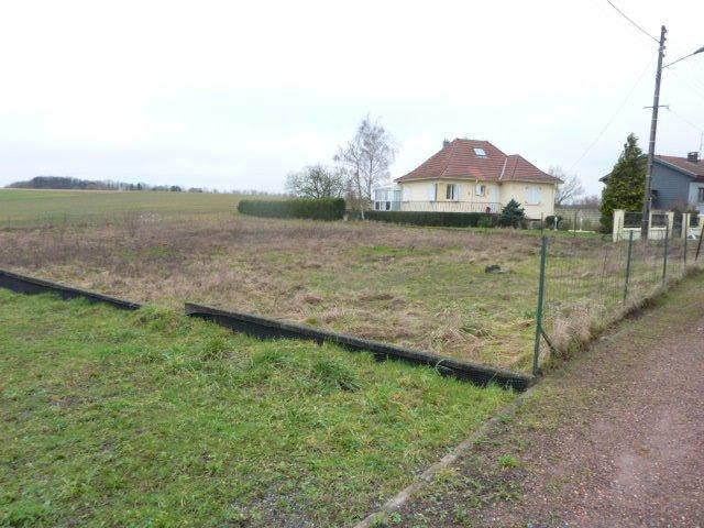 Terrain constructible à vendre à Ugny