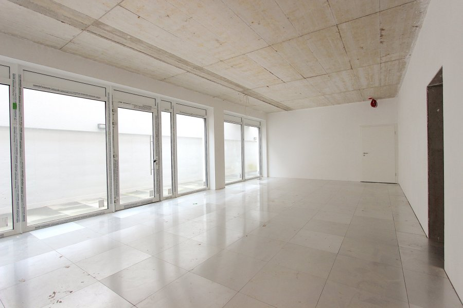 acheter local commercial 0 chambre 62 m² schouweiler photo 1