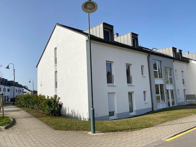 Appartement à louer 2 chambres à Heffingen