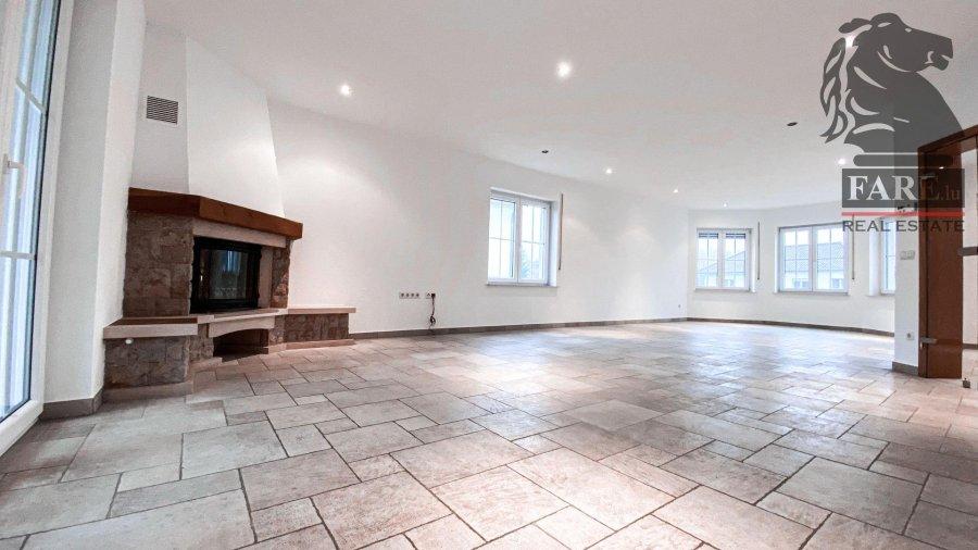 louer maison 4 chambres 250 m² niederanven photo 2
