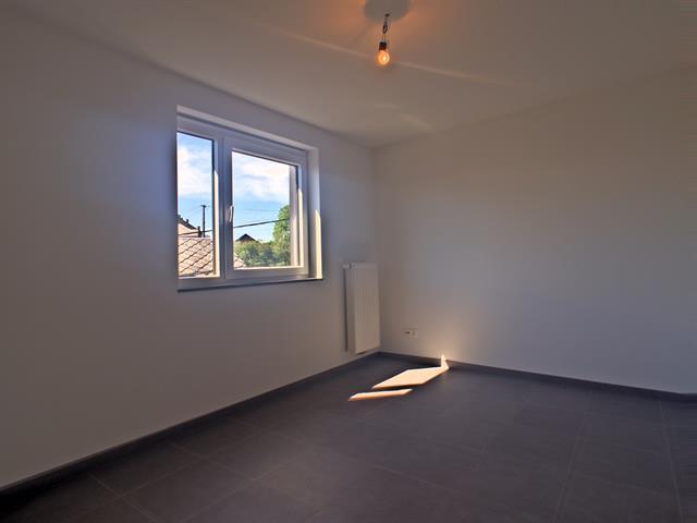 louer appartement 3 pièces 92 m² marche-en-famenne photo 5