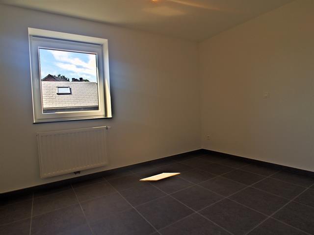 louer appartement 3 pièces 92 m² marche-en-famenne photo 3