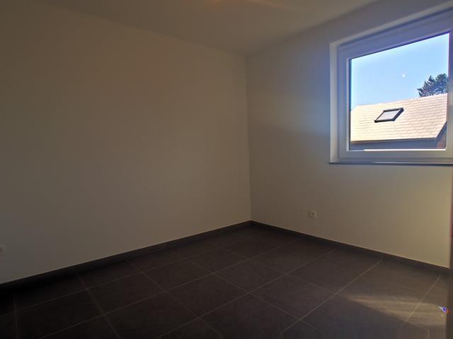 louer appartement 3 pièces 92 m² marche-en-famenne photo 4