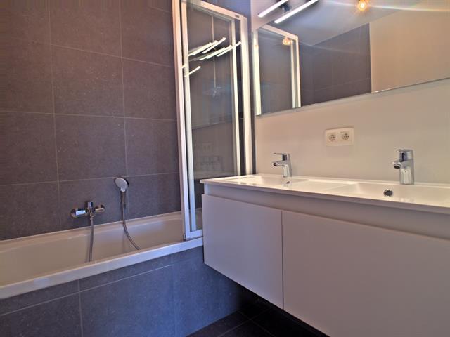 louer appartement 3 pièces 92 m² marche-en-famenne photo 6