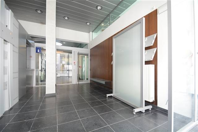 louer bureau 0 pièce 215 m² arlon photo 4