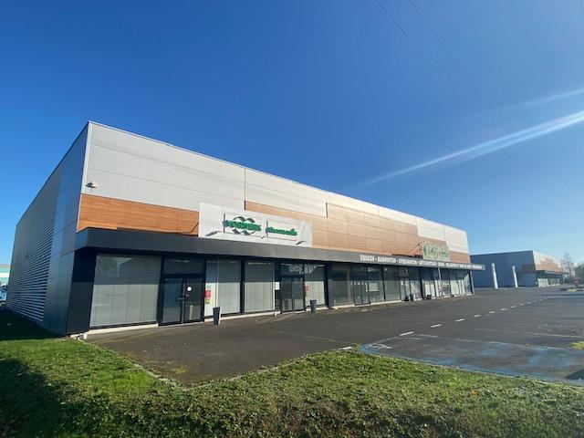 louer local commercial 0 pièce 800 m² metz photo 1