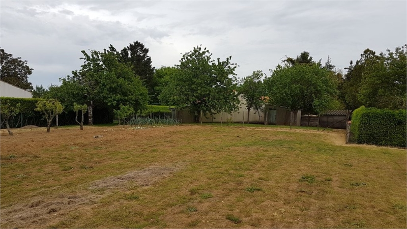 acheter terrain constructible 0 pièce 0 m² péault photo 1
