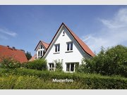 House for sale 5 rooms in Köln - Ref. 7179831