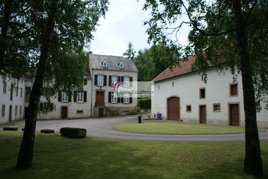 acheter maison 5 chambres 1813 m² reisdorf photo 1