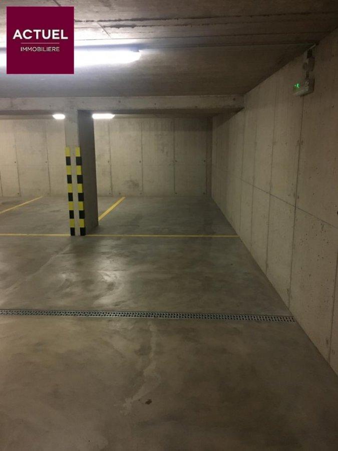 louer garage-parking 0 chambre 0 m² rodange photo 2