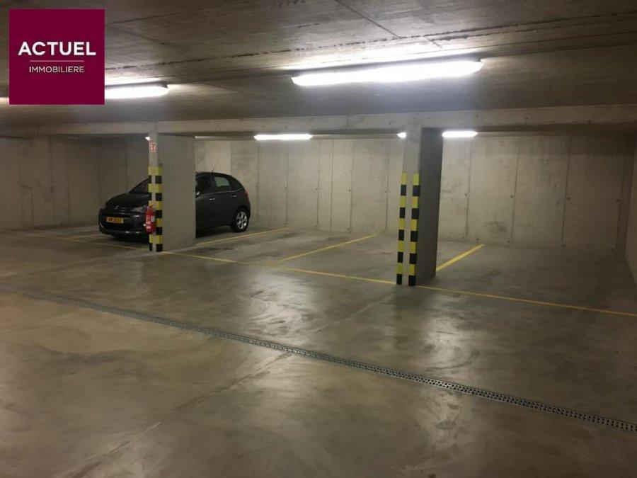 louer garage-parking 0 chambre 0 m² rodange photo 3