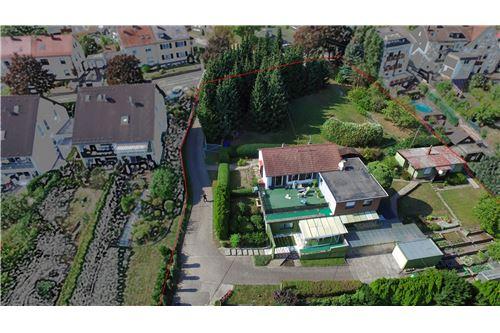 renditeobjekt kaufen 8 zimmer 230 m² saarbrücken foto 1