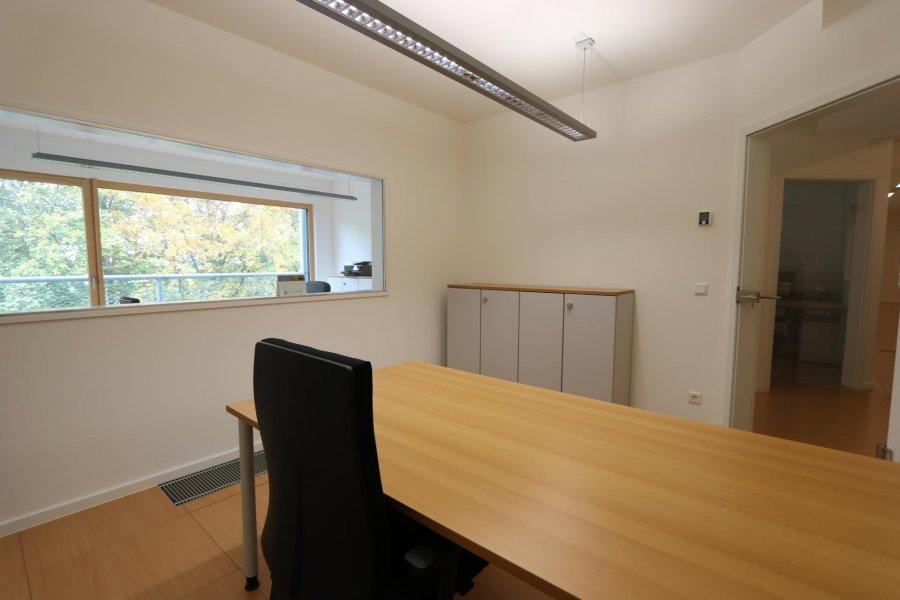 louer bureau 0 chambre 14 m² eselborn photo 3